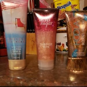 Body lotion and shimmer bomb
